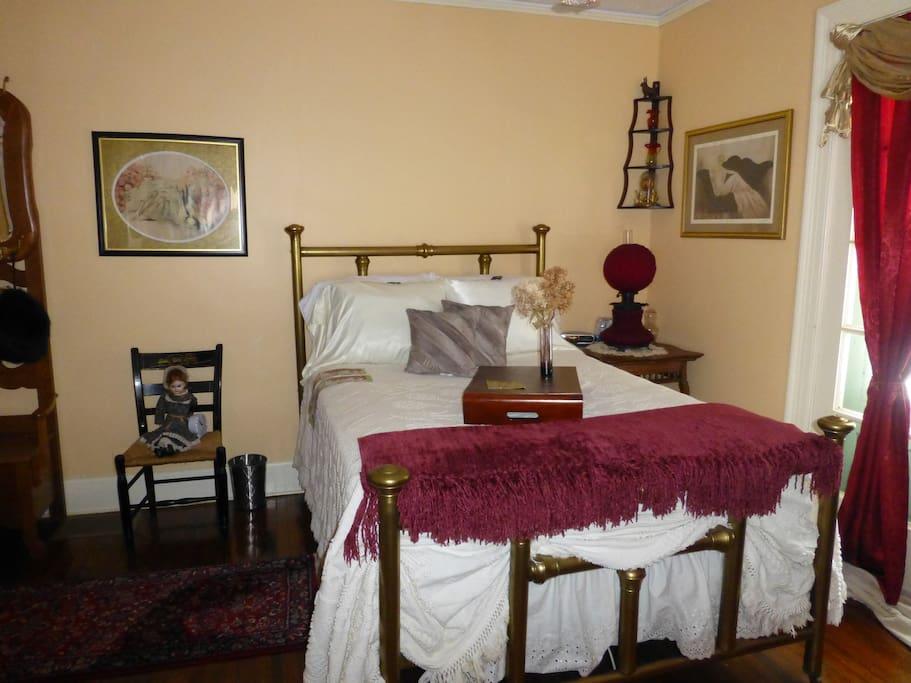 Lady Jaydn Bedroom