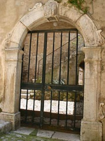 Ospitalità e convivialità in un palazzo storico - Sacco - Lägenhet