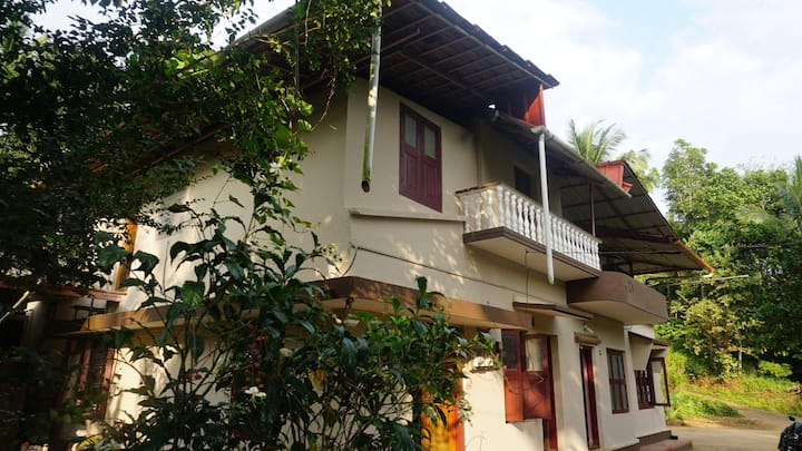 Sunshine Farm Stay in Bio-herbal plantation central Wayanad