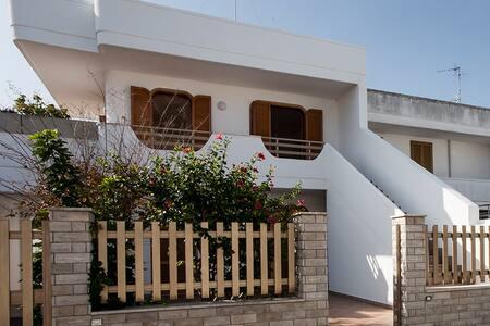 Villa next to the beach for 6 people - San Foca - Casa de campo