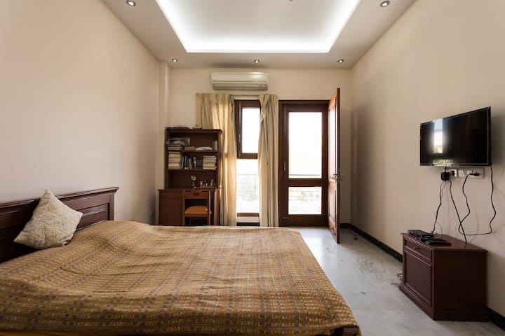 A cozy homestay in the heart of Gurgaon.