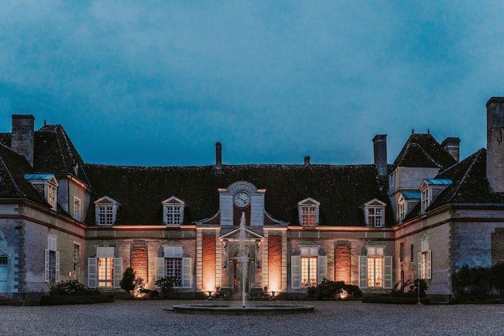 Aile Gauche du Château du Fey