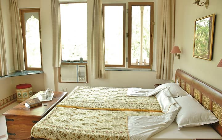 Home Like Comfort with facilities of a hotel