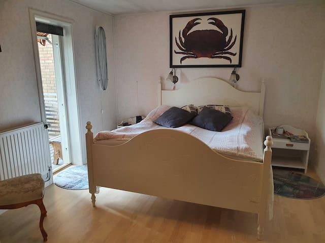 Sovrum 1. (Bedroom 1.)