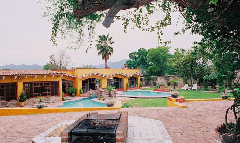Casa en TxCentroPARA+20PRS.NOCHE BUENAyNAVIDAD