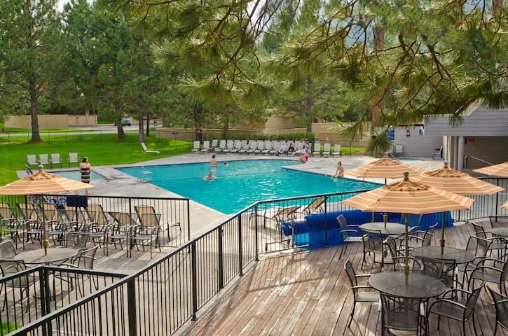 River Ridge 513B - Private, hotel style suite in Bend with access to fitness center.