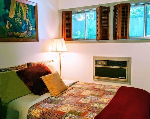 COZY Private Room in Upscale Quiet Location