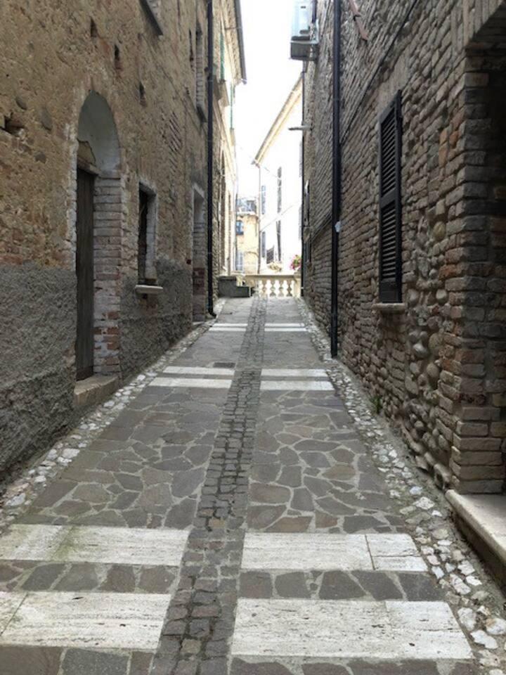 vicolo di accesso alla casa (Via Dell'Agricoltura)( pedonale) verso Piazza Garibaldi e scalinata