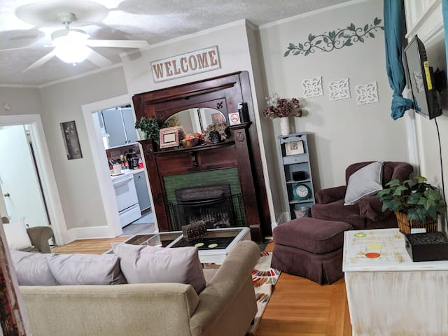 Cozy Private Apartment in Historic Dundee