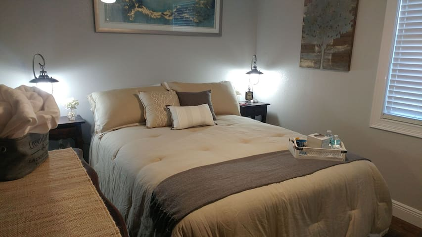 A Rustic Chic  Room Downtown Tampa