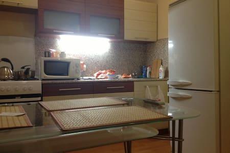 Хорошая квартира 36 кв метров по цене комнаты! :-) - Daire