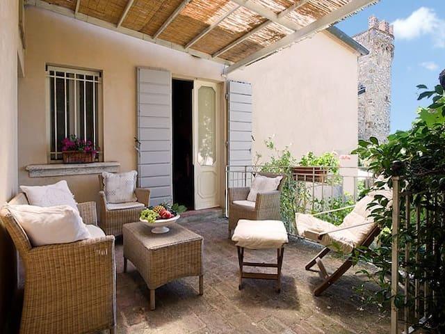 Casa Galante - in Village w/ garden - Montefollonico - Casa