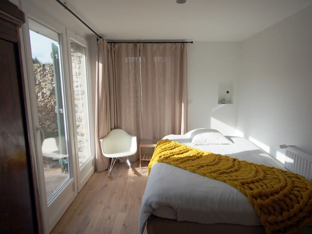 Pretty and private bedroom in Paris countryside - Hermeray - Rumah