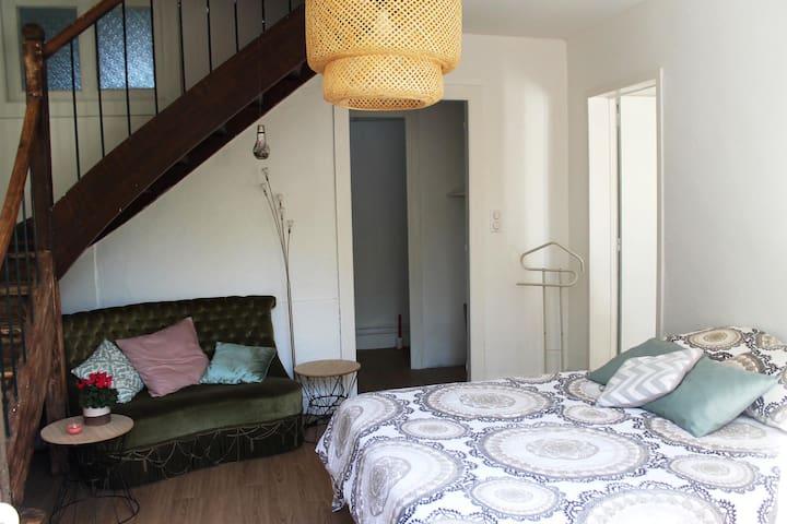 Appartement cosy en rez-de-jardin àAurillac