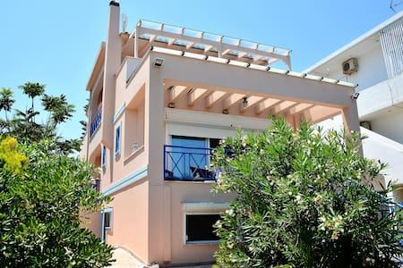 Blue View beach house in Lecheo