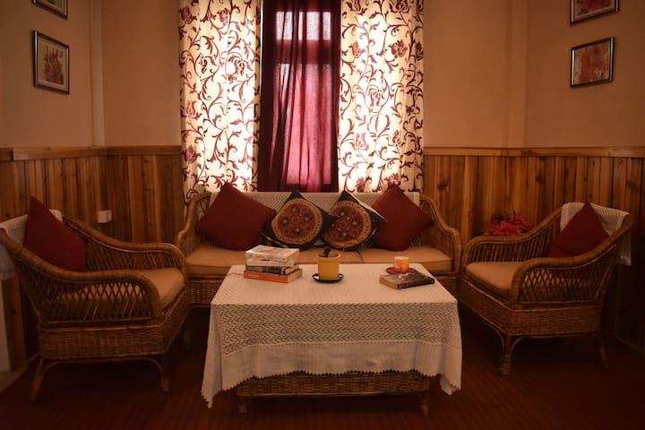 Haamro Ghar Studio Apartment, Mirik