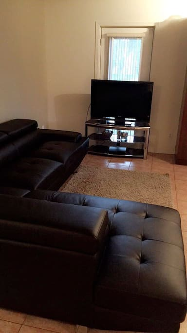 Living Room w/ Sectional