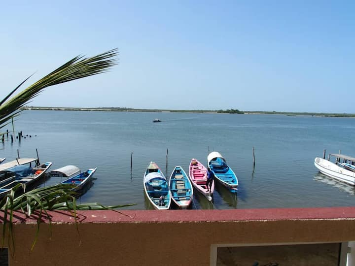 Ndangane: Chambre privée et vue sur le Sine Saloum