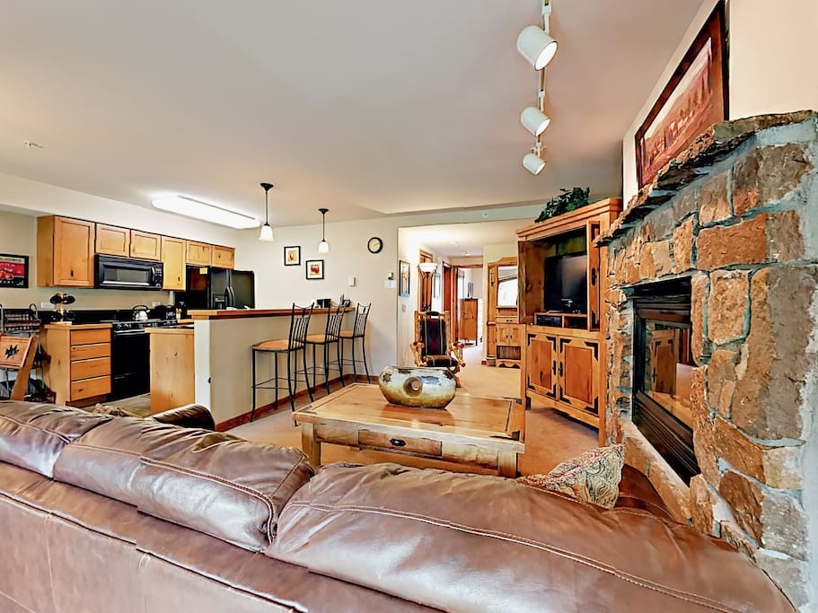 Curl up by the gas fireplace in the living room and watch a film on the flat screen TV with DVD.