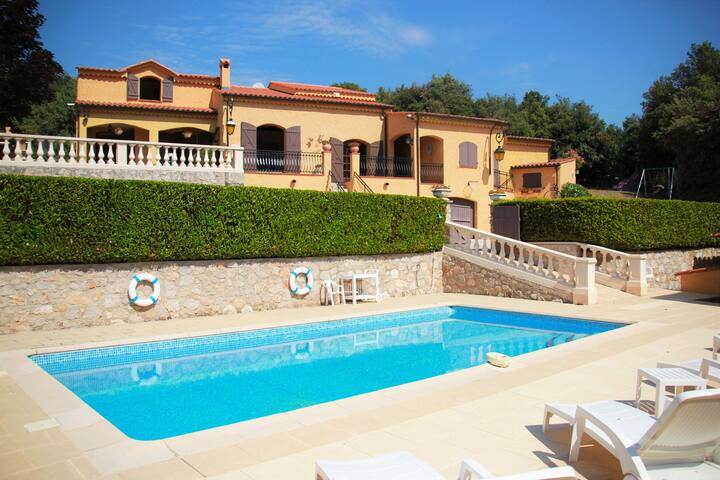 Provençal type Villa - Pool&Barbecue - 4 bedrooms - Peille - Casa de campo