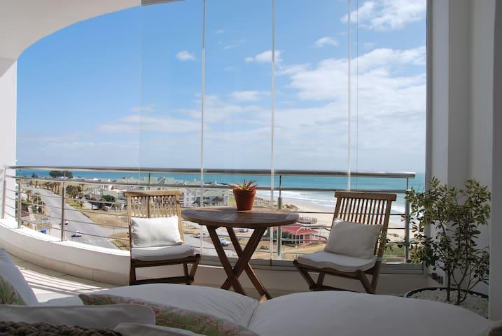 The Bay Luxury Apartment