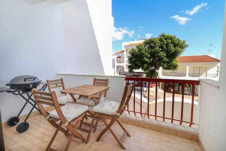 "Modern Apartment ""Albufeira Deluxe Apartment"" with Wi-Fi & Balcony; Parking Available"