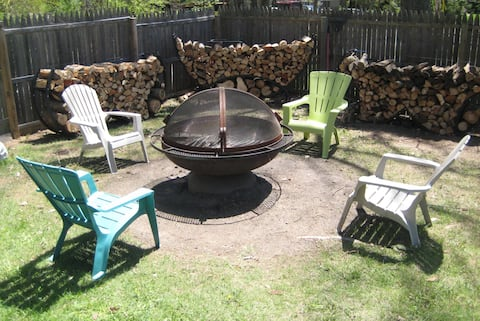 5 Lakes Fenced Yard Huge Fire Pit No Shared Spaces