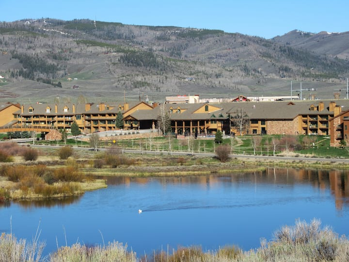 Remodeled condo near Rocky Mtn National Park