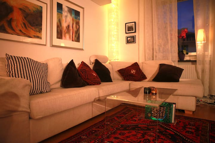 Charming duplex apartment in trendy area - Stockholm - Apartment