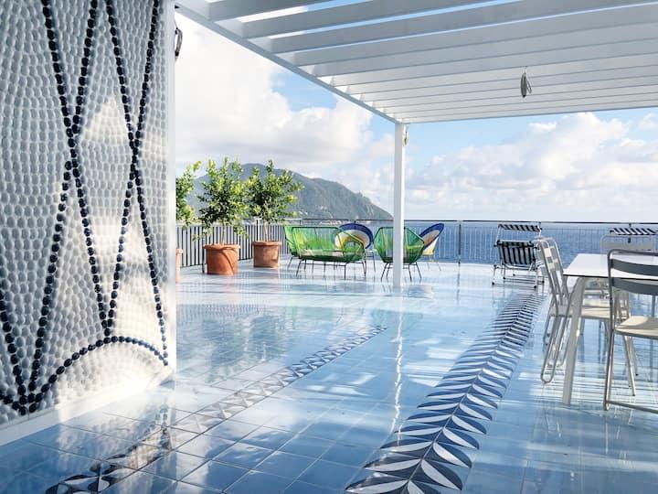 Designer Villa - Waterfront Apartment