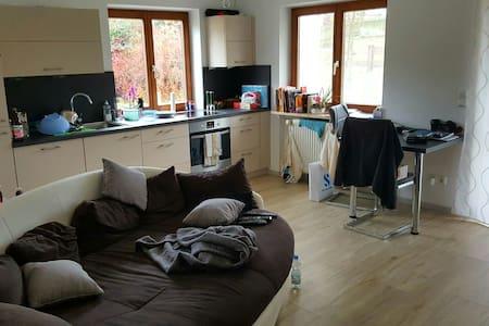3 Zimmer Wohnung mit Garten - Irschenberg - Lejlighed