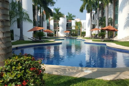Fully Equiped Condo 4 Blocks Away From The Beach - Ixtapa