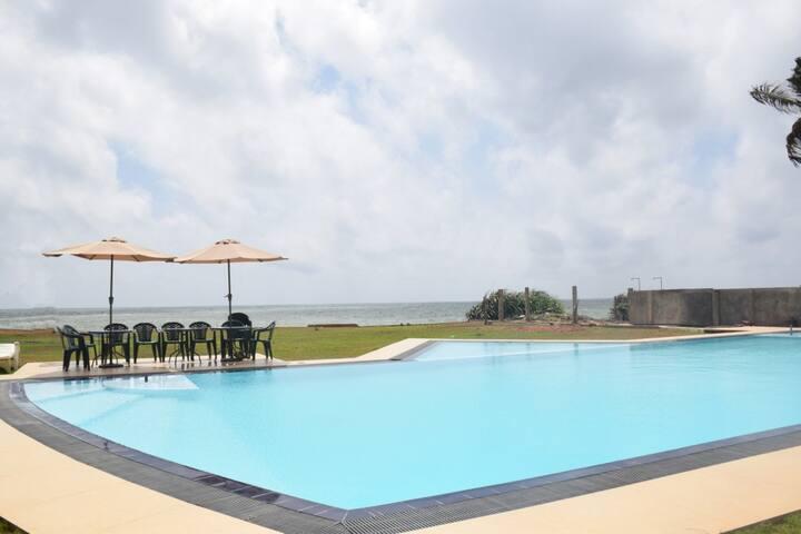 Saketha Beach Hotel