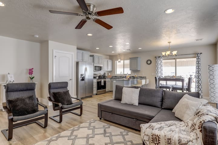 Kabino: Recently Renovated! Zion-Sand Hollow-Las Vegas! Free WiFi-Fire Pit!
