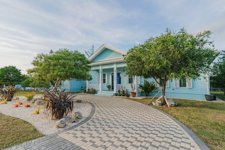 Blue Turtle,3 bed 2.5 bath, 3 mins from the beach