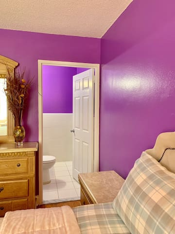 Private room/ King bed/ half bath/quite space.
