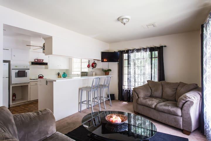 Full Home w. 3 Bedrooms, 2 Bath, & 2 Parking Spots