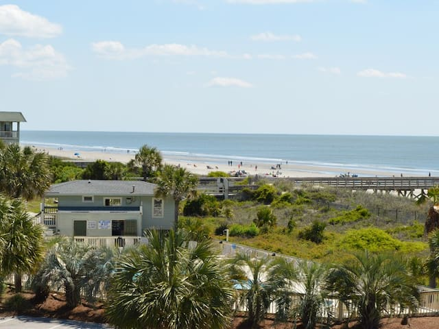 Recently Renovated Villa w/ Full Ocean Views! Easy Access to Pool, Dining and Entertainment!