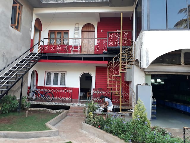 """Bis-Lin""  1 BHK  Home Stay B & B - North Goa - Byt"