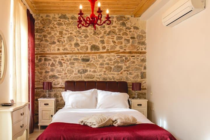 Isioni Guest House Νεοκλασικό δωμάτιο στο Ναύπλιο