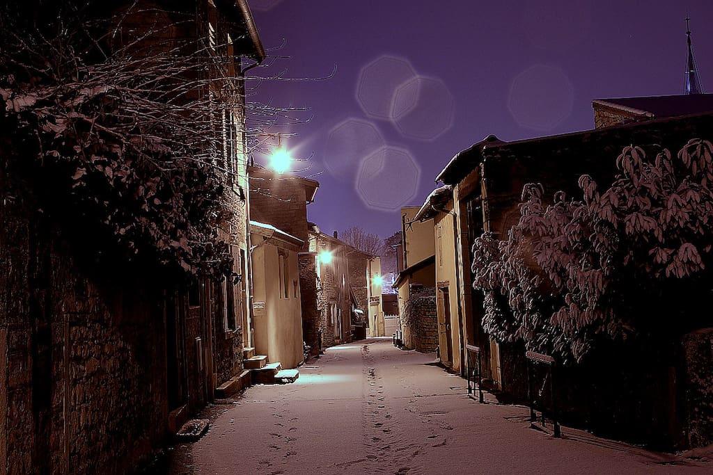 rue des remparts (nuit d'hiver)