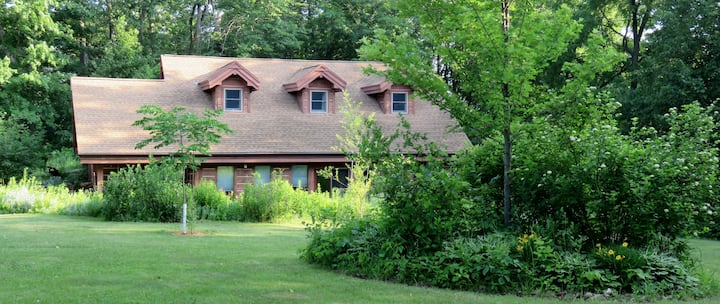 Maple Wood Lodge - 3 BR private home on 26 acres