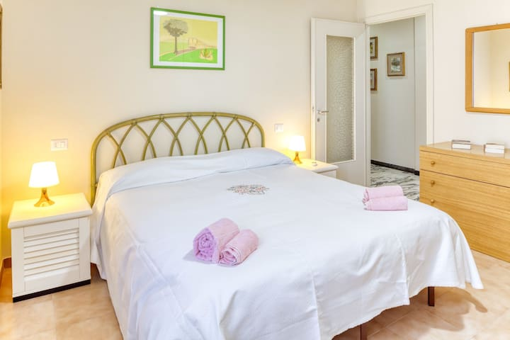 Giulia Levanto - for 4, in centre, 5 minutes from beach and station to Cinque Terre