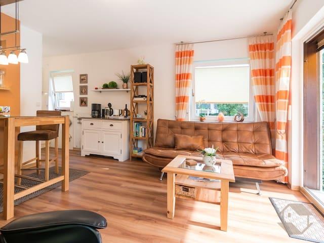 Ferienwohnungen Sonnenschein 1 & 2, (Bad Herrenalb), Ferienwohnung Sonnenschein 2 mit 40qm, 1 Wohn-/Schlafzimmer, max. 2 Personen