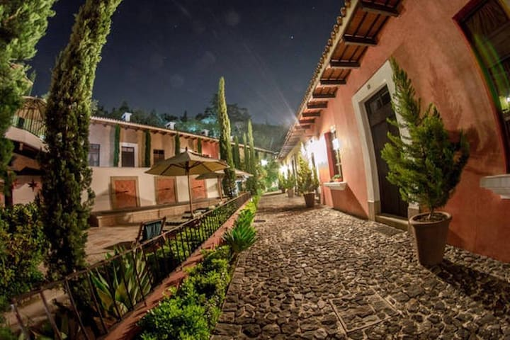Villas de Orotava Antigua Guatemala No.10