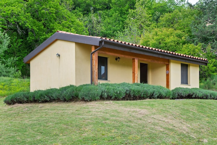 Captivating Cottage in San Ginesio with Swimming Pool