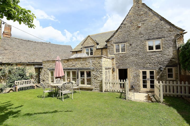 Coach House, Burford, country cottage, Cotswolds