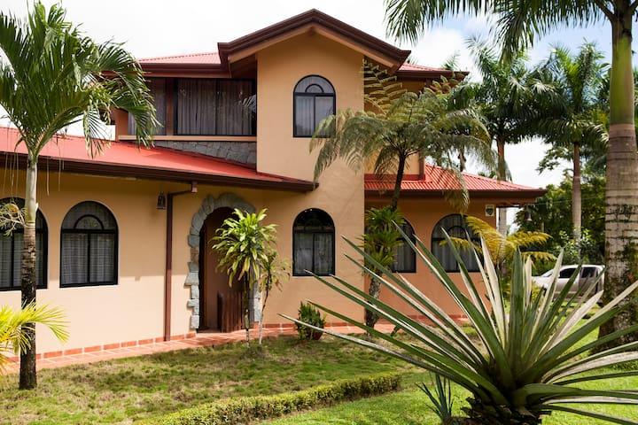Vagabondo´s House - San Carlos - Rumah