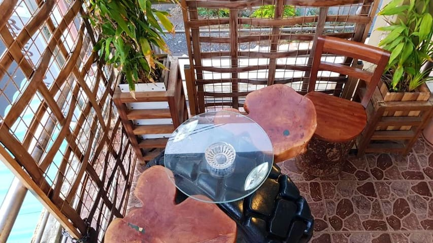 Apartment with one bedroom in Souillac, with wonderful mountain view, furnished terrace and WiFi
