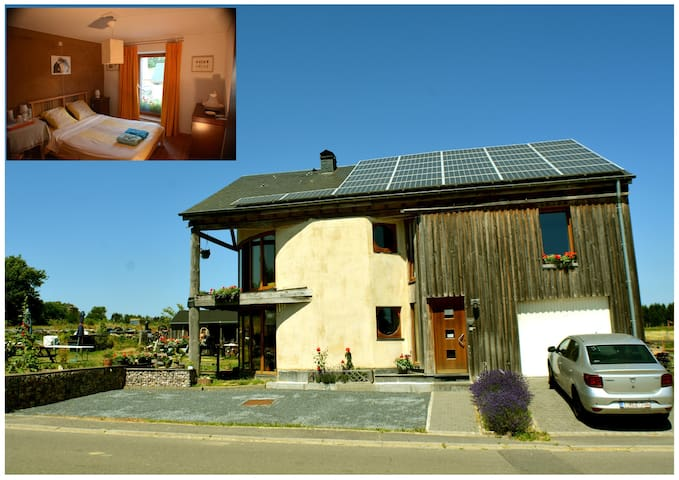 Maison  en paille au coeur des Ardennes  chambre A